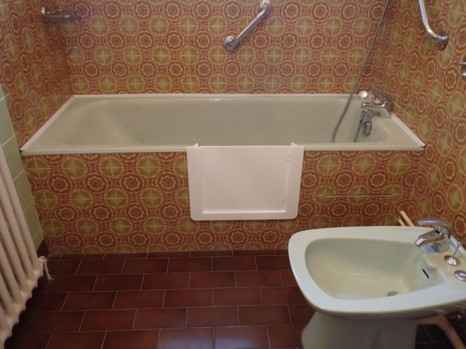 Transformer une baignoire en bassin beautiful pied pieds Transformer une baignoire en baignoire a porte