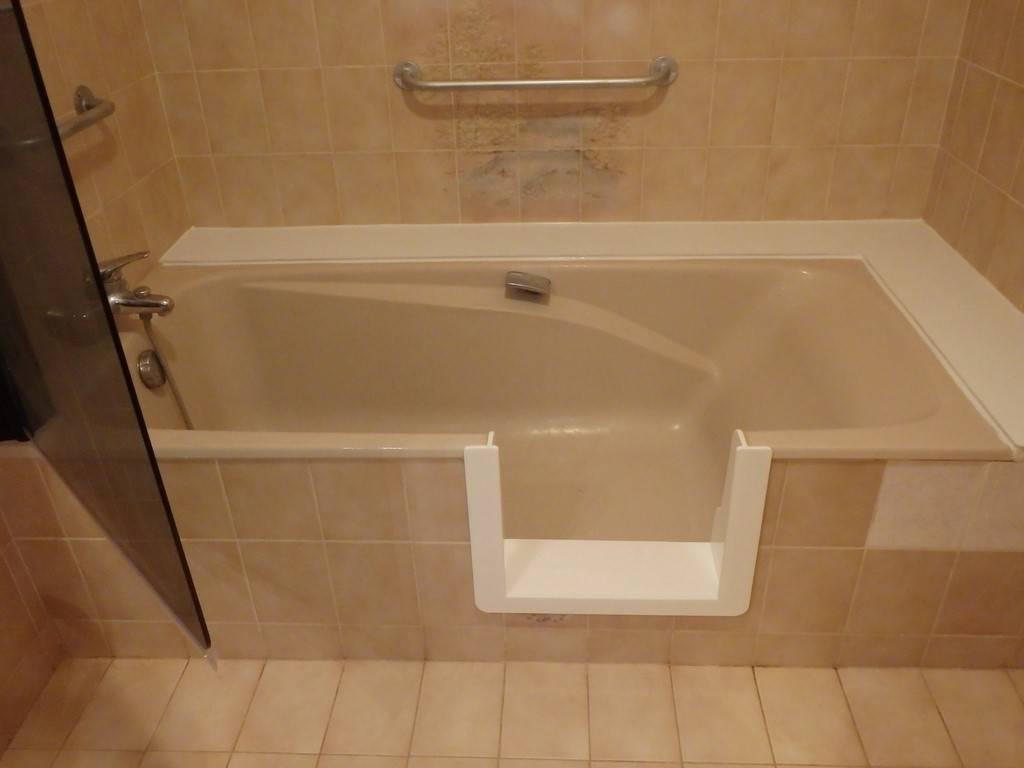 Baignoire a porte pas cher finest baignoire a porte pas for Baignoire douche porte